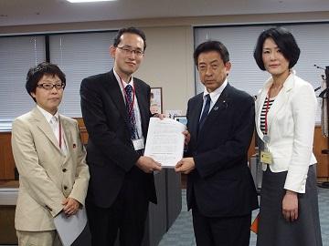 全国がん患者団体連合会による塩崎恭久・厚生労働大臣への申し入れ(平成28年5月2日)